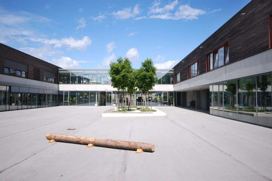 Primary and Secondary School Holzkirchen